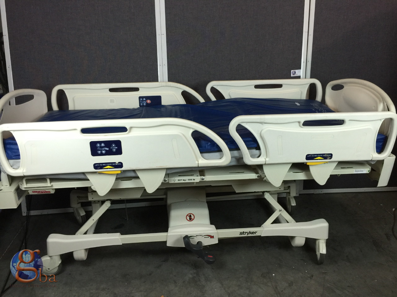 Stryker FL28EX GoBed II Med Surg Electric Hospital Bed